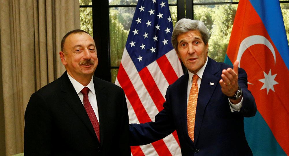 Государственный секретарь США Джон Керри с президентом Азербайджана Ильхамом Алиевым