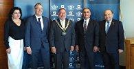 В рамках визита делегации парламента Азербайджана в Австралию состоялась встреча с мэром города Стерлинг Джованни Италиано