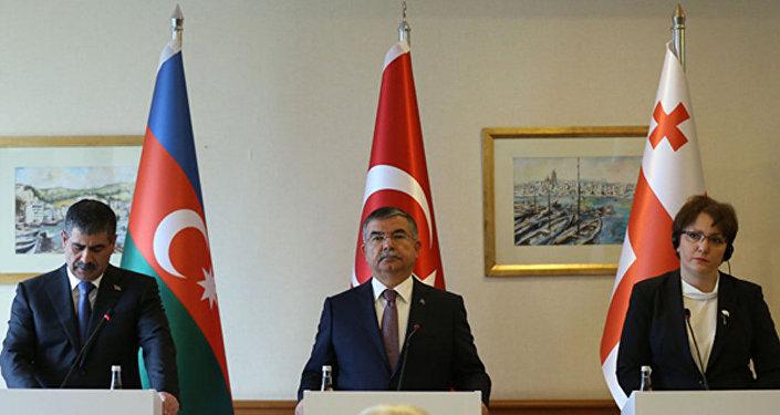 Azərbaycan, Türkiyə və Gürcüstan müdafiə nazirləri