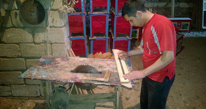 Sandığın hazırlanması üçün şam ağacından istifadə olunur