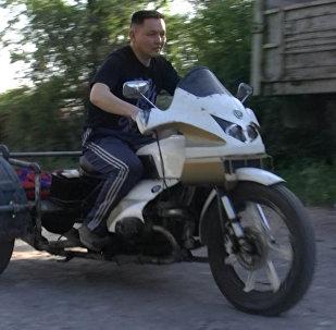 Бишкекчанин собрал трицикл из Урала, Москвича и Запорожца