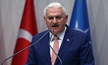 Бинали Йылдырым, премьер-министр Турции