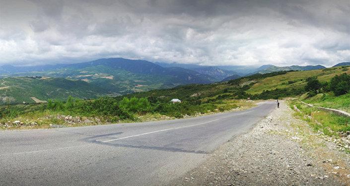 Дорога Муганлы-Исмаиллы. Архивное фото