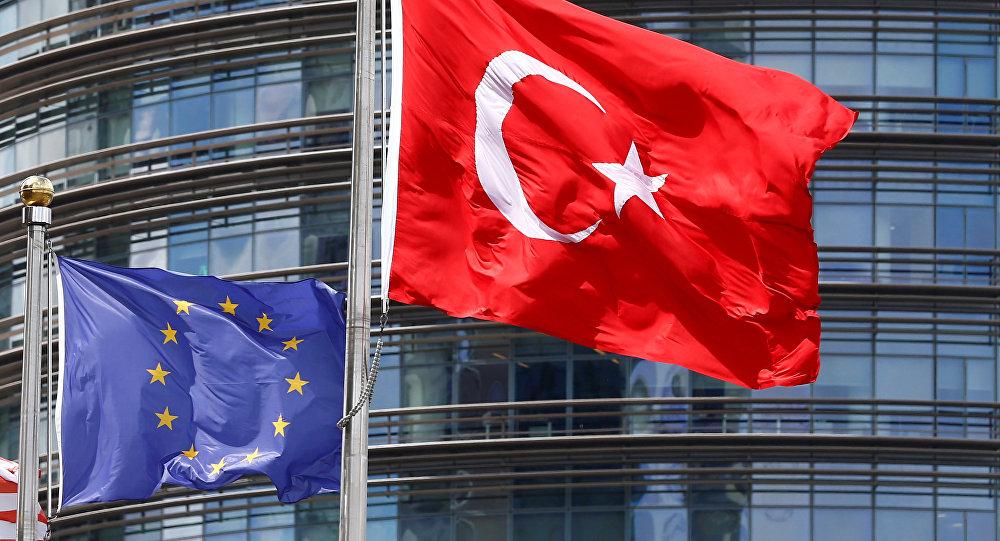 Türkiyə və Avropa İttifaqı bayraqları