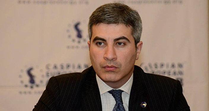 Mustafa Abbasbəyli, sığorta eksperti