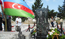 Могила Национального героя Самида Иманова