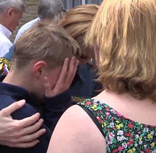 Объятия и слезы – как в Москве встретили спасшихся на Сямозере детей