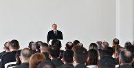 Prezident İlham Əliyev hərbçilərlə görüşdə çıxış edir