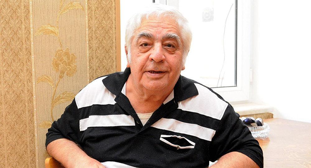 Xalq Artisti Səyavuş Aslan