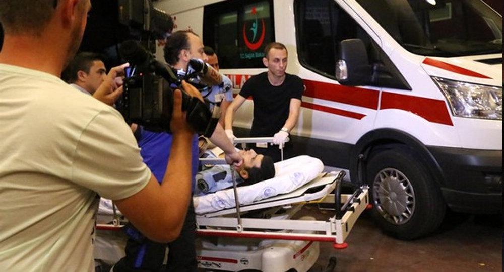 Взрывы в крупнейшем аэропорту Турции