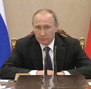 Путин объявил правительству о решении нормализовать отношения с Турцией