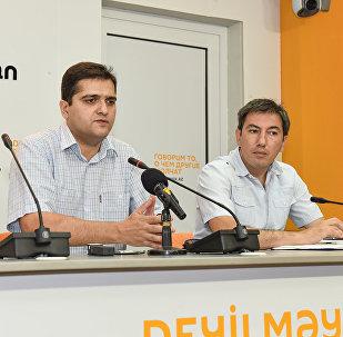 Politoloq Elxan Şahinoğlu və İlqar Vəlizadə