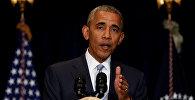 Президент США Барак Обама выступает на саммите НАТО в Варшаве
