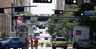 Полицейские оцепляют улицу в Далласе для проведения расследований