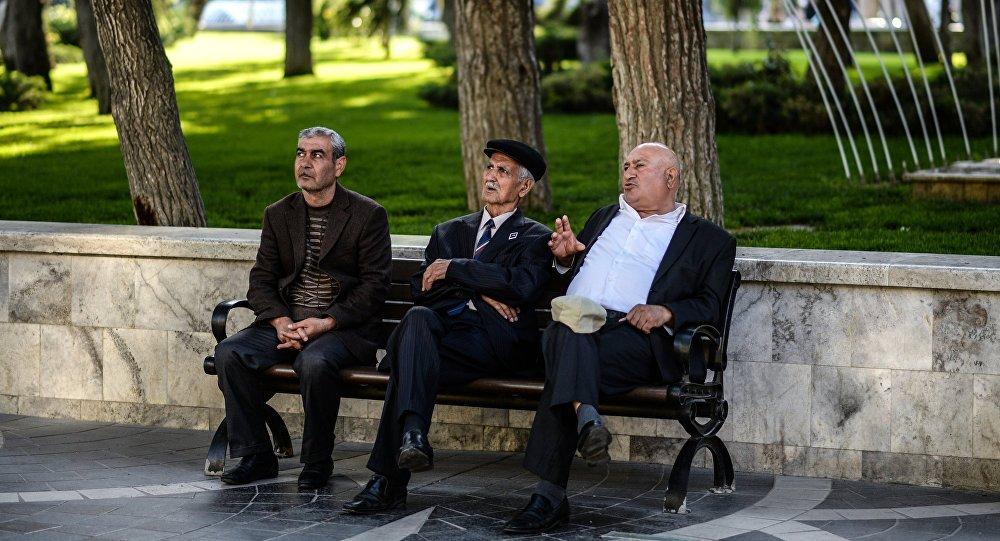 Повышение сравняет пенсионный возраст мужчин иженщин вАзербайджане