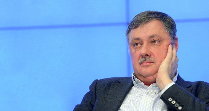 Политолог Дмитрий Евстафьев