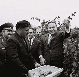 Azərbaycan KP MK-nin birinci katibi Heydər Əliyev
