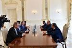 İlham Əliyev Türkiyə Respublikasının xarici işlər naziri Mövlud Çavuşoğlunu qəbul edib