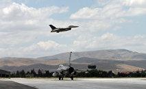Истребители турецких ВВС F-16. Архивное фото