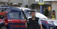 Полицейский в курортном городе Мармарис. 16 июля 20106 года