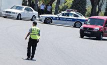 Сотрудник Государственной дорожной полиции Азербайджана
