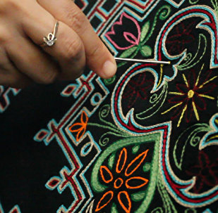 Один из видов народного искусства текелдуз – тамбурная вышивка