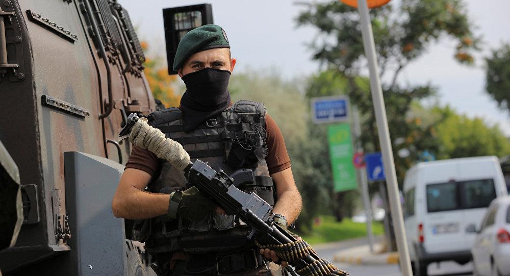 ВСтамбуле изгранатомёта обстреляли кабинет правящей партии Турции