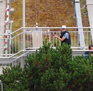 Кадры спецоперации у молла в Мюнхене, где неизвестный стрелял по посетителям