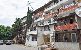 Yasamal rayonu, Şərifzadə küçəsi 33 ünvanında yerləşən yataqxanaların söküntüsünə başlanıb