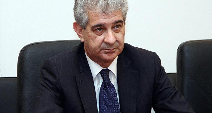 Вице-премьер, зампред-исполнительный секретарь правящей партии Ени Азербайджан (ПЕА) Али Ахмедов, фото из архива