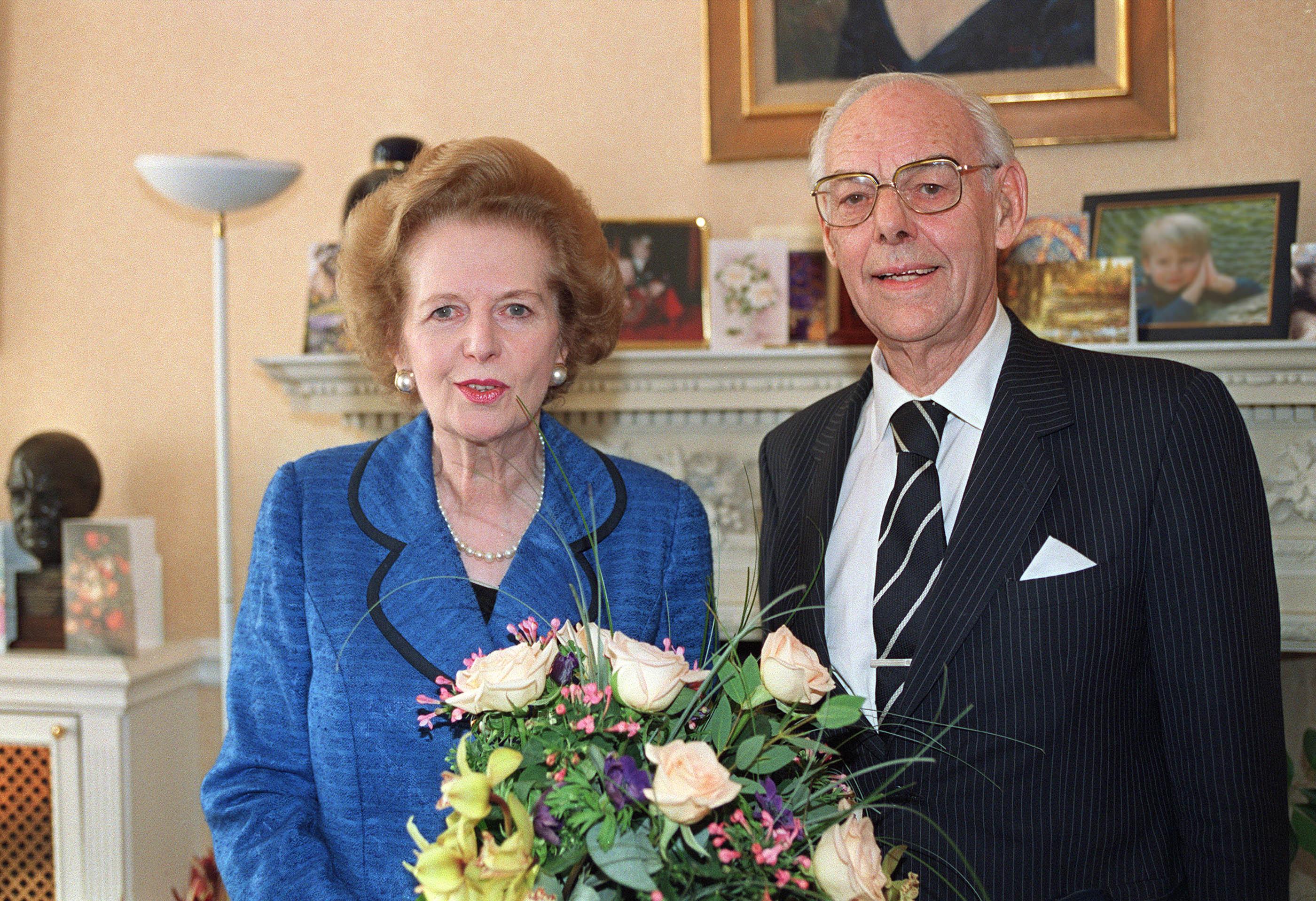 Dəmir Ledi Margaret Tetçer həyat yoldaşı Denis Tetçer ilə