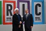 Vladimir Putin və Həsən Ruhani. 9 iyul 2015-ci il