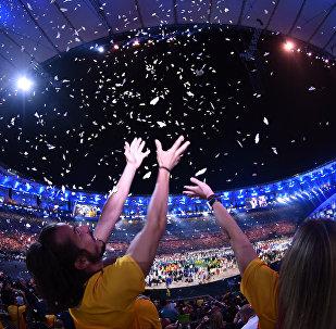 Церемония открытия XXXI летних Олимпийских игр на стадионе Маракана