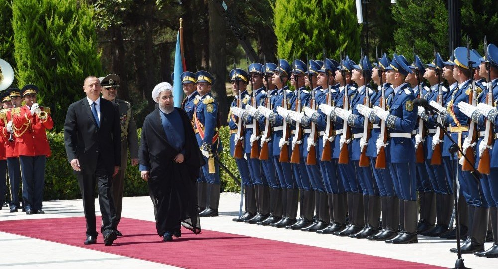 Prezident İlham Əliyev İran prezidenti Həsən Ruhanini qarşılayıb