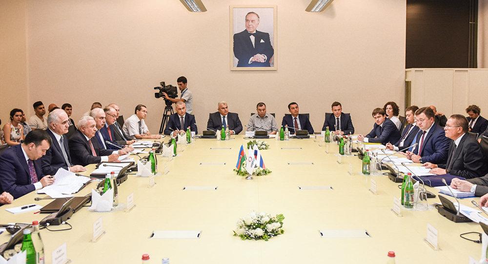 Азербайджан хочет увеличить экспорт иинвестиции в РФ - министр