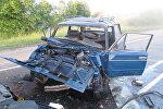 Разбитый в ДТП автомобиль, фото из архива