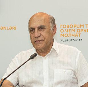 Fikrət Sadıxov
