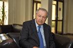 Первый президент Азербайджана Аяз Муталлибов дает интервью Sputnik в своем доме. Баку, 29 июля 2016 года