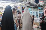 Sədərək ticarət mərkəzində ərəb turistlər
