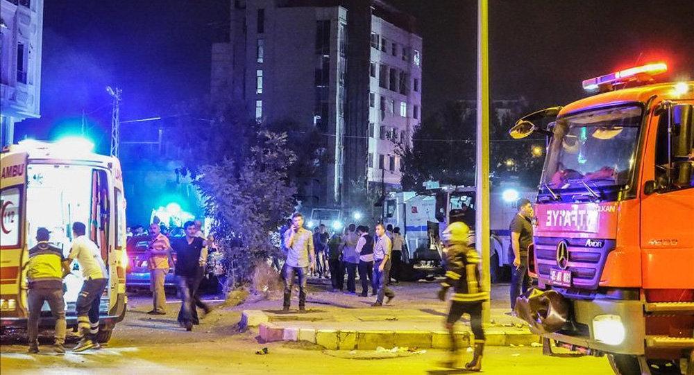 ВТурции в итоге взрыва погибли 3 полицейских, неменее 100 получили ранение