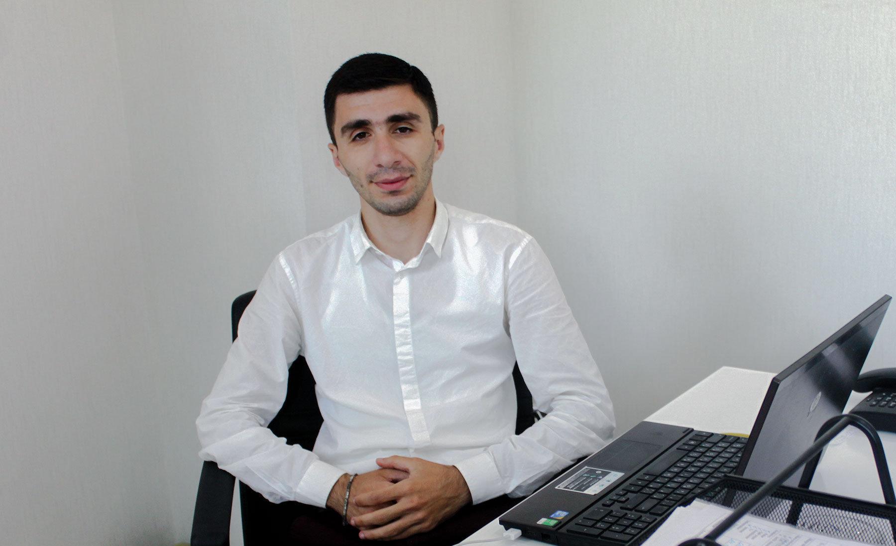 Orxan Abdullayev, Qaya-əmlak şirkətinin təmsilçisi