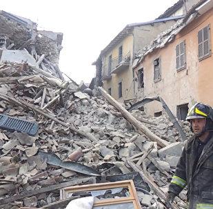 Спасатели ликвидируют последствия землетрясения в итальянском Аматриче