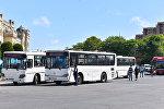 Автобусы на привокзальной площади в Баку, архивное фото