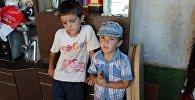 Семья из шести человек – родители и четверо детей — проживает в автобусе