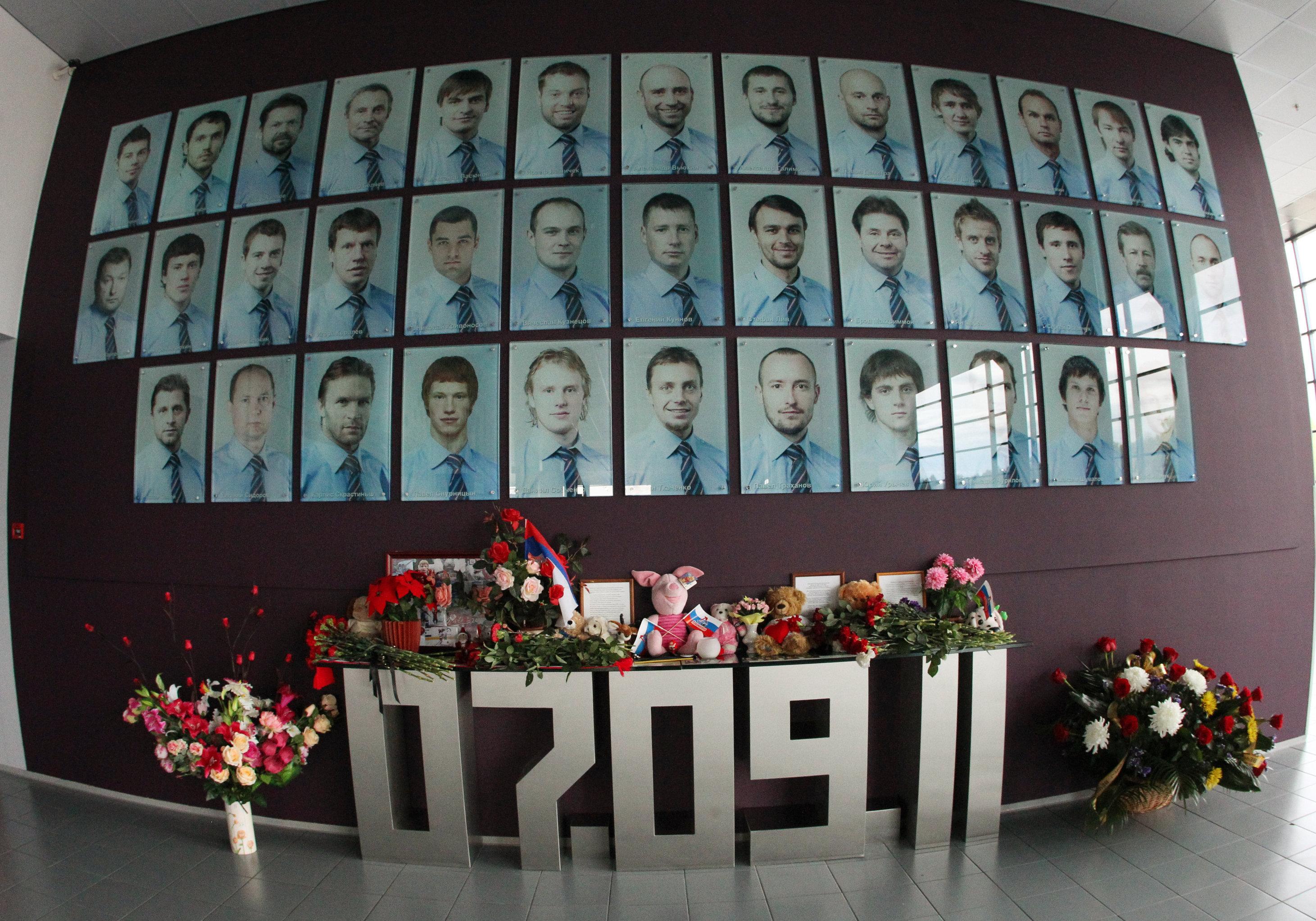 ВЯрославле вспоминают хоккеистов «Локомотива», погибших при крушении самолета пять лет назад