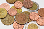 Азербайджанские монеты (гяпик) разного достоинства, фото из архива