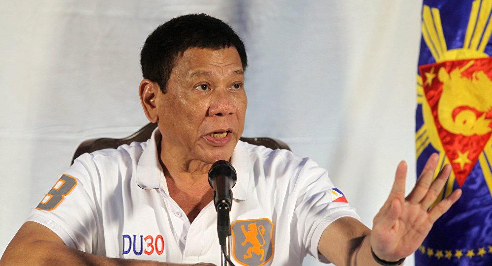 Прежний киллер обвинил президента Филиппин взаказных убийствах тысячи человек