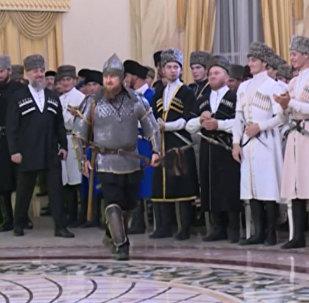 Кадыров пришел на праздник Дня чеченской женщины в шлеме и латах
