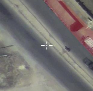 Кадры наблюдения за гумконвоем в Сирии. Съемка с беспилотника Минобороны РФ