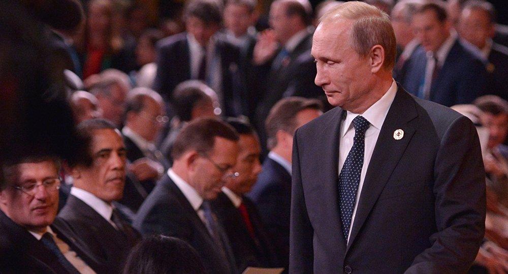 Vladimir Putin və Barak Obama Brisbendə G20 sammiti zamanı, 15 noyabr 2014-cü il